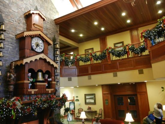 The Inn at Christmas Place: Glockenspiel