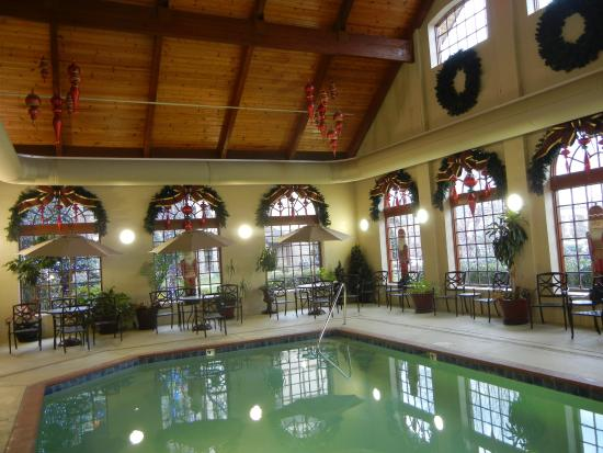 indoor pool picture of the inn at christmas place pigeon forge rh tripadvisor co za