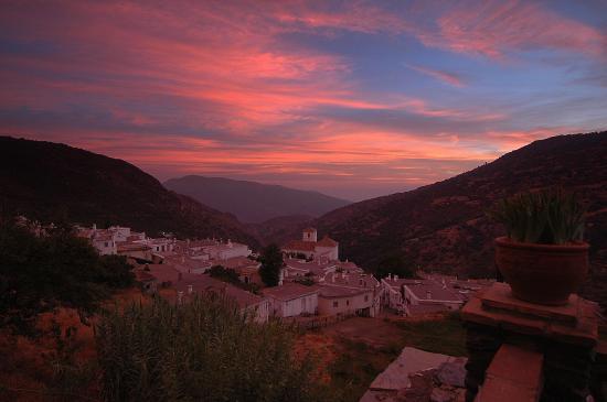 Bubión, España: Atardecer en Bubion, vertiente sur de Sierra Nevada.