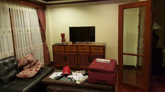 Prince Edouard Apartments & Resort : 20160114_185316_large.jpg