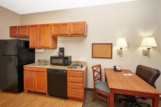 Aurora, IL : ADA/Handicapped accessible Studio Suite kitchen