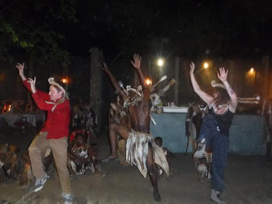 Phinda Private Game Reserve, Südafrika: Zulu dancing on New Year's Eve