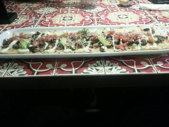 Chillis Bar and Grill: Flat Bread Pizza con Zetas