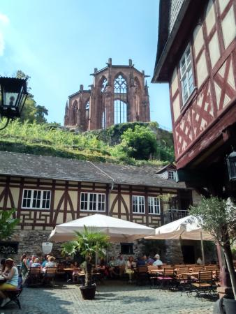 ‪‪Mosel Wine Region‬, ألمانيا: Plaza con restaurantes‬