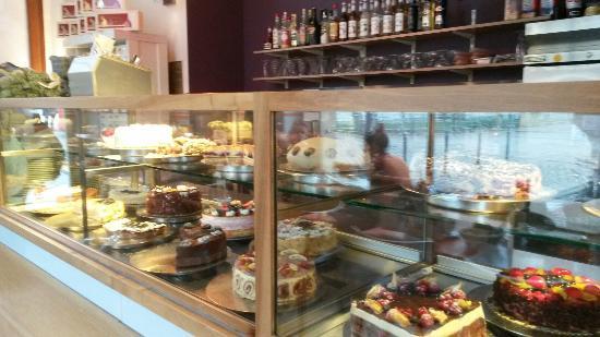 Schwarzmarkt Cafe : Cakes