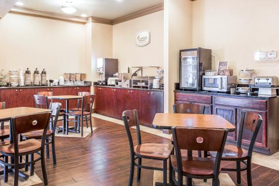 Sleep Inn & Suites: Breakfast