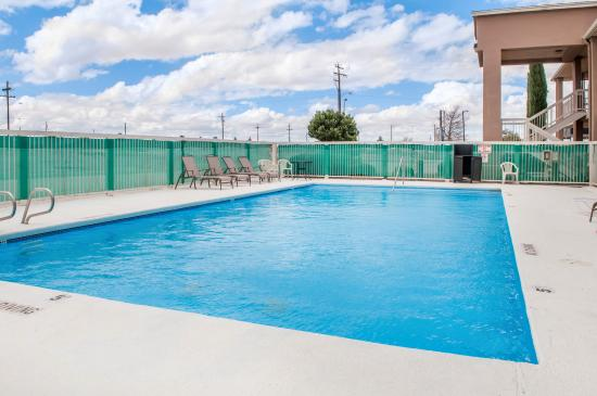Lordsburg, NM: Pool