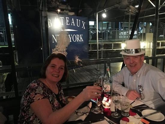 Bateaux New York: Toasting in The New Year