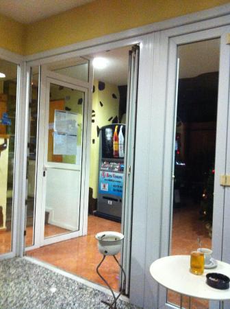 Apartamentos La Fonda: Eingangsbereich