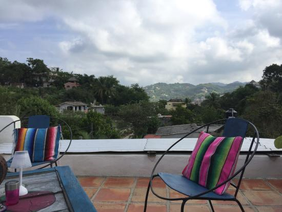 Casa Buena Onda - Sayulita Surf Hotel : the rooftop terrace: we had such a relaxing time