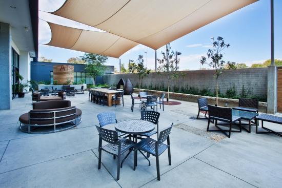 Hotel Indigo Athens-University area: Courtyard