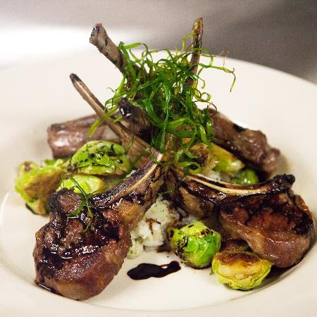 Montgomery Center, Вермонт: the popular and amazing Lamb Chops