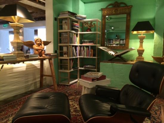 bibliothek und buchladen zum st bern bild von bleiche. Black Bedroom Furniture Sets. Home Design Ideas