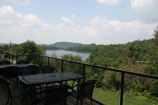 Elliot Lake, Kanada: Walk out view from Breakfast Area