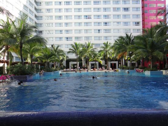 Grand Oasis Palm: Grand Oasis Pool