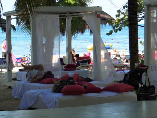 Grand Oasis Palm: Adults only paid cabana area