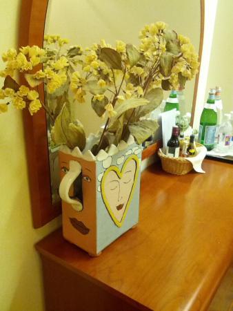 Pazaislis Park Hotel : оригинальные вазочки