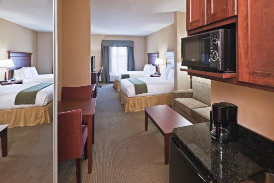 Holiday Inn Express Hotel & Suites Poteau: Suite