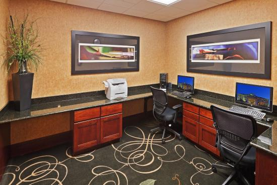 Holiday Inn Express Hotel & Suites Poteau: Business Center