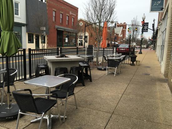 The Philadelphia Tavern: outdoor seating