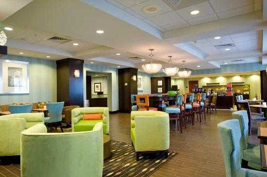Anderson, SC: Perfect Mix Lobby