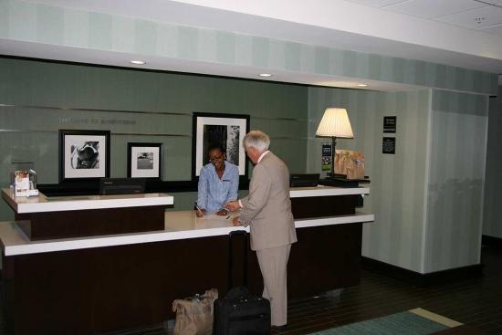 Hampton Inn Anderson/ Alliance Business Park: Front Desk/Lobby