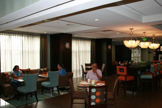 Hampton Inn Anderson/ Alliance Business Park: Perfect Mix Lobby