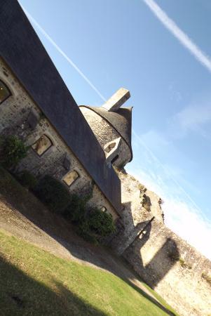 Saint-Sauveur-le-Vicomte, France : castello
