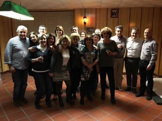 Pinos Genil, Spanje: Comida alumnas de compañía de Maria