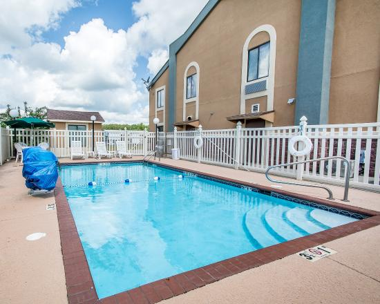 Thomasville, AL: Pool