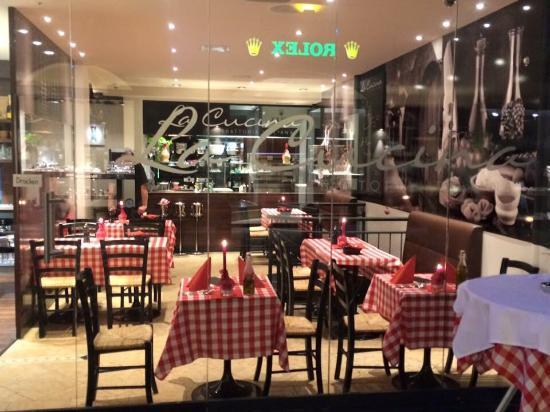 La Cucina Trattoria Italiana: Aussenansicht der Trattorria. Sehr nett