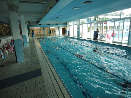La piscina grande interna foto di piscine termali for Abano terme piscine