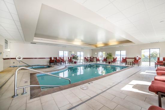 Comfort Suites Helena: Pool