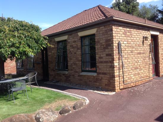 Country Club Villas: The Villa