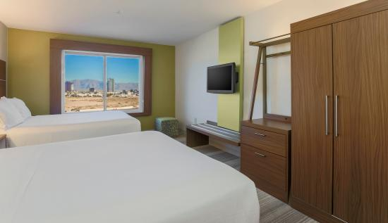 two queen executive suite picture of holiday inn express las vegas rh tripadvisor ca