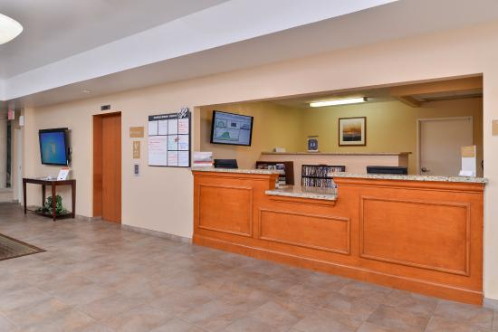 Candlewood Suites: Hotel Lobby