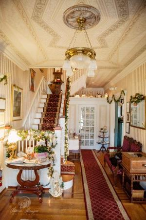 Main Street Manor Bed & Breakfast Inn: The inn at Christmas