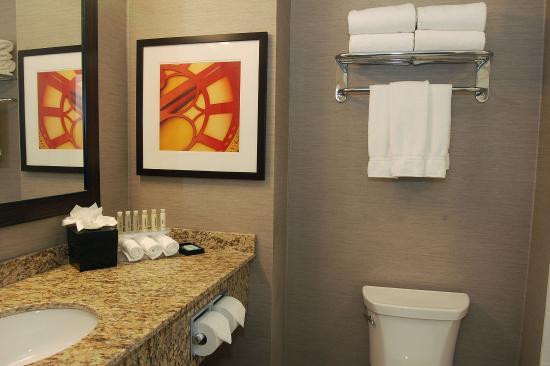 Bonnyville, Canadá: Guest Bathroom