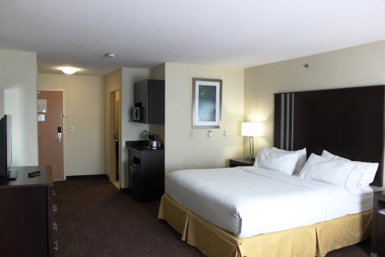Yorkton, Canadá: 1 King Bed with Wet Bar