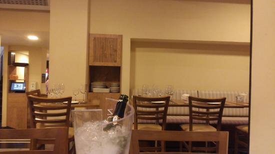Raro Bar e Grill