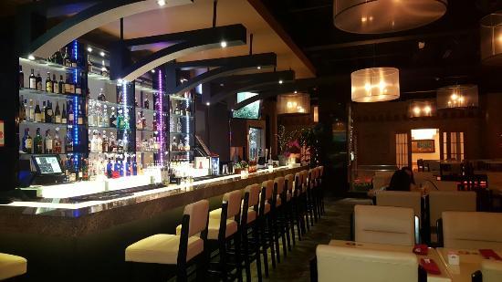 Akasaka Japanese Restaurant & Lounge