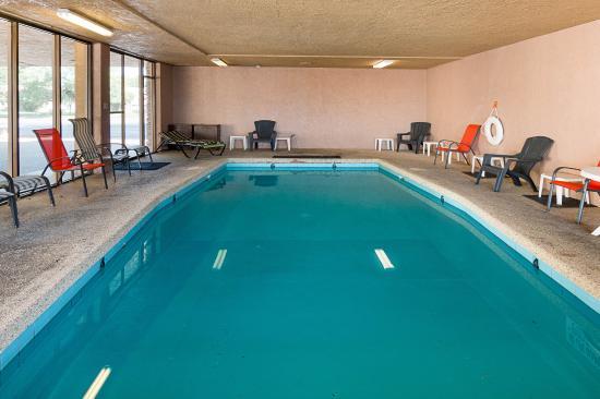 Econo Lodge San Angelo: Pool