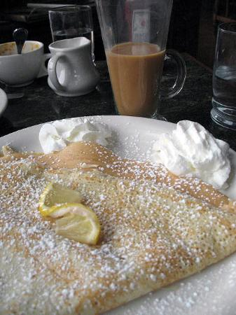 Housatonic, MA: lemon crepe