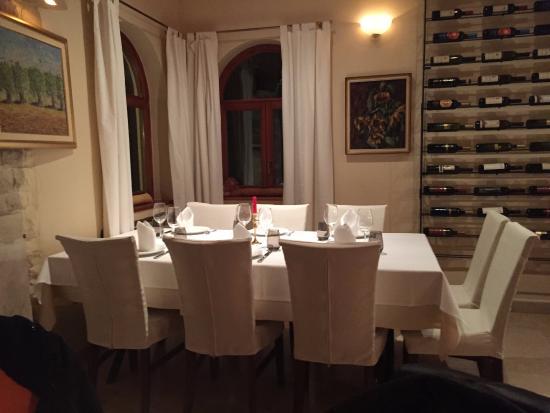 Brtonigla, Kroatien: Uno dei tavoli più grandi