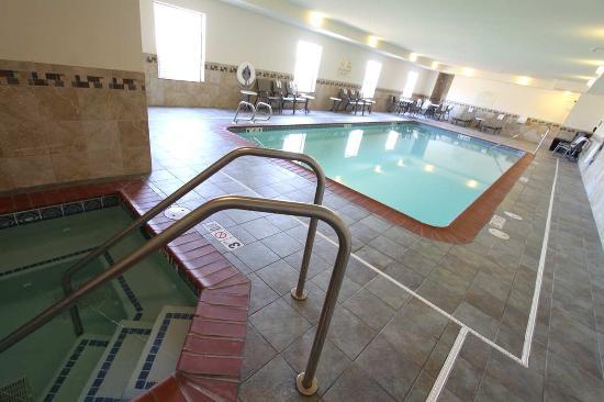 Ottumwa, IA: Pool Area