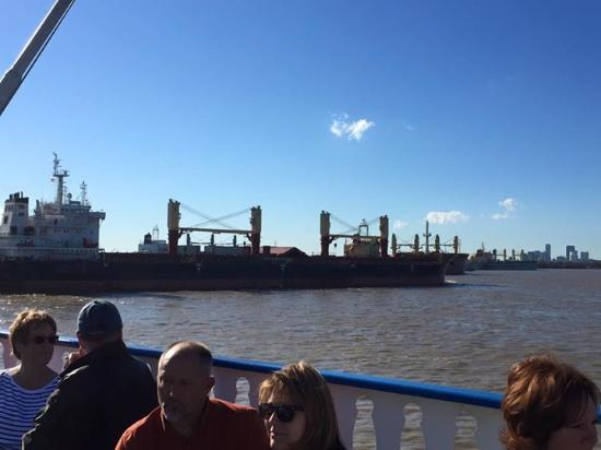 busy river picture of creole queen mississippi river cruises new rh tripadvisor com
