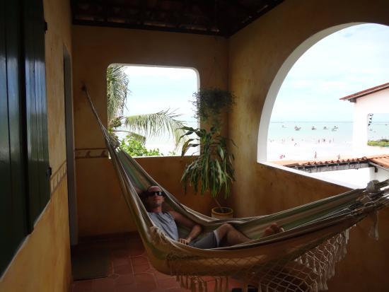 Pousada Chez Roni: Local de descanso na varanda