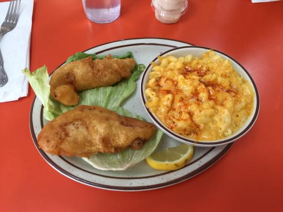 Redford, MI: Look at these delicious dishes! And the proportions are YUGE!!!!! You will not walk away hungry