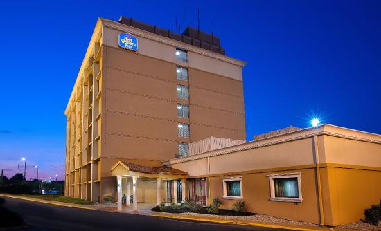 Photo of BEST WESTERN PLUS The Charles Hotel Saint Charles