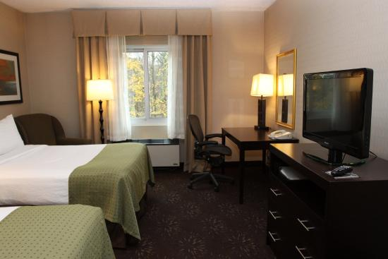 Budd Lake, Νιού Τζέρσεϊ: Enjoy our deluxe, newly renovated two double bed room.